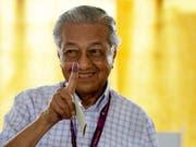 Zurück an der Macht: Wahlsieger Mahathir Mohamad. (Bild: KEYSTONE/AP/ANDY WONG)