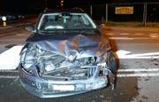 Die komplett zerstörte Front des einen Unfallautos. (Bild: Luzerner Polizei (Reiden, 31. Mai 2018))