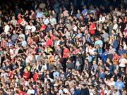 Folgenreiches Spiel für einen Mann, der nach einem Match in Winterthur einen FCZ-Fan verletzt hatte: Er muss 7 Jahre ins Gefängnis. (Archiv-Bild vom Fussballspiel der Challenge League FC Winterthur gegen den FC Zürich vom 13. Mai 2017). (Bild: Keystone/WALTER BIERI)
