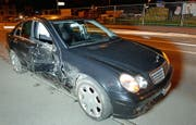 Die komplett zerstörte Seite des anderen Unfallautos. (Bild: Luzerner Polizei (Reiden, 31. Mai 2018))