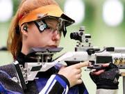 Nina Christen zielte ganz genau und gewinnt die Goldmedaille (Bild: KEYSTONE/EPA/VALDRIN XHEMAJ)