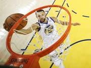 Stephen Curry zeigte im ersten Finalspiel eine starke Leistung (Bild: KEYSTONE/EPA GETTY IMAGES POOL/EZRA SHAW / GETTY IMAGES / POOL)