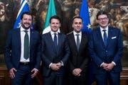 Von links: Matteo Salvini, Giuseppe Conte, Luigi Di Maio und Giancarlo Giorgetti. (Bild: Angelo Carconi/EPA (Rom, 01. Juni 2018))