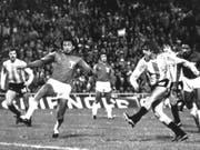 Argentiniens Mario Kempes (rechts) war an der WM 1978 nur schwer zu stoppen (Bild: KEYSTONE/AP NY)