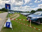 Trotz Parkplatzangebot empfehlen die Organisatoren am Samstag die Anreise mit dem öV. (Bild: Andrea Häusler)