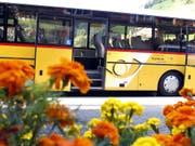 Die Aargauer Regierung fordert nach den Trickserein bei den PostAuto Geld zurück. (Bild: KEYSTONE/URS FLUEELER)
