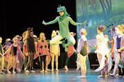 So leicht es scheint, so anspruchsvoll ist der Tanz auf Spitzen. Denise Heuer spielte den Froschkönig. (Bild: Roger Zbinden (Steinhausen. 9. Juni 2018))