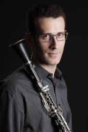 Der israelische Musiker Gilad Harel überzeugt im Konzert mit dem Kammerorchester St.Gallen. (Bild: PD)
