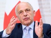 Laut Bundesrat Ueli Maurer hätte die Eidgenossenschaft rund eine Milliarde Franken in die Ausrichtung der Olympischen Winterspiele (Sion 2026) investiert. Das werde mit dem Nein der Walliser Bevölkerung hinfällig. (Bild: KEYSTONE/ANTHONY ANEX)