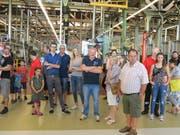 An zahllosen Info-Points verfolgt die Besucherschar die Produktionsabläufe. (Bilder: Maya Seiler)