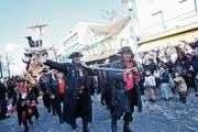 Am grossen Umzug von 2014 sind Piraten auf dem Boulevard eingefallen. (Bild: Donato Caspari, 23.02.2014)
