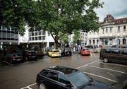 Der untere Postplatz: Auch künftig werden hier Autos stehen. Bild: Stefan Kaiser (Zug, 11. Juni 2018)