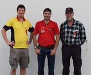 Von links: Andreas Odermatt, 2. Platz Gewehr, Robert Waser, bester Veteran, und Pistolensieger Pirmin Käslin. (Bilder Daniel Gander/PD)