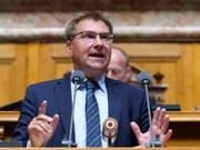 Toni Brunner (SVP/SG) wirbt im Nationalrat für die Selbstbestimmungsinitiative der SVP. Der Bundesrat und das Parlament empfehlen dem Stimmvolk, diese abzulehnen. (Bild: KEYSTONE/ANTHONY ANEX)