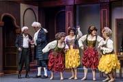 Müssen vorerst auf einen neuen Saal warten: Schauspieler der Theatergruppe Entlebuch. (Nadia Schärli, 8. Oktober 2017)