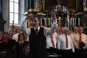 Der Chor wird geleitet von Michael Malzkorn.