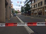 Die Dorfstrasse in Baar kurz nach der Tat. Bild: Zuger Polizei