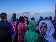 """Flüchtlinge aus dem Mittelmeer auf dem Rettungsschiff """"Aquarius"""". Dieses durfte am Sonntag nicht in Malta anlegen. (Bild: KEYSTONE/EPA/CHRISTOPHE PETIT TESSON)"""
