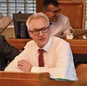 Dölf Biasotto verteidigte die Haltung des Regierungsrates bei der kommunalen Mehrwertabgabe. (Bild: CAL)