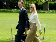 Ivanka Trump und ihr Ehemann Jared Kushner (Bild: KEYSTONE/EPA/MICHAEL REYNOLDS)