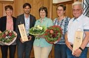 Die Jubilare Barbara Götz, Philipp Frei, Ruth Götsch, Corinne Widmer und Stefan Rimensberger. (Bild: Monika Wick)
