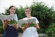 Ingrid Brühwiler und Vreni Kölbener sind die Geburtshelferinnen des ersten Appenzeller Liederbuchs. (Bild: KFR)