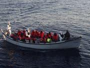 An Italiens Küste wurden laut SEM im Mai mehr ankommende Flüchtlinge registriert als im Vormonat. Sie wollen aber nicht primär in die Schweiz. (Bild: KEYSTONE/EPA ANSA / ITALIAN NAVY PRESS OFFICE/ITALIAN NAVY PRESS)