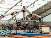 Gruppenwettkämpfe gehören an Eidgenössischen Turnfesten zu den begehrtesten Wettkampfformen (Archivbild). (Bild: Keystone/GAETAN BALLY)