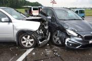 Ein 58-Jähriger übersah ein abbiegendes Auto. (Bild: Kapo SG)