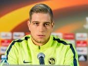 Bekenntnis zum Schweizer Meister: Goalie David von Ballmoos verlängert bei YB seinen Vertrag vorzeitig (Bild: KEYSTONE/THOMAS HODEL)