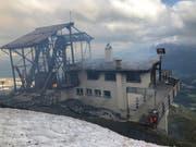 Die Bergstation der stillgelegten Cassonsbahn ist am Montag vollständig ausgebrannt. (Kantonspolizei Graubünden)