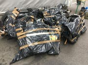 Die Grenzwächter stellten die gestohlenen hochwertigen E-Bikes und Fahrräder sicher. (Bild: EZV)
