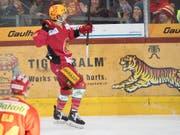 Dieses Bild könnte es bald wieder geben: Chris DiDomenico als Topskorer der SCL Tigers (Bild: KEYSTONE/MARCEL BIERI)