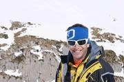 Für einmal bei Sonnenschein unterwegs: der Bergretter Raphael Müller. (Bild: Bruno Inauen ARO)