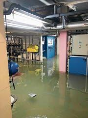 Technikraum am Freitagabend: Später stand das Wasser gar tischhoch. (Bild: PD)