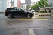 Bild vom Unfallort an der Alpenstrasse. (Bild: Zuger Polizei)