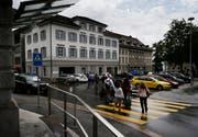 Die Parkplätze sind ein Dauerthema in der Stadt Zug. (Bild: Stefan Kaiser)