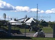 Auch Radaranlagen, Helikopter und Flugzeuge sind zu besichtigen. (Bild: Christian Brägger)