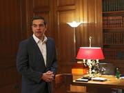 Der griechische Regierungschef Alexis Tsipras habe nicht die Mehrheit, um einen Kompromiss im Namensstreit zwischen Mazedonien und Griechenland zu unterzeichnen. Die konservative griechische Oppositionspartei Nea Dimokratia (ND) hat daher am Donnerstag ein Misstrauensvotum beantragt. (Bild: KEYSTONE/EPA ANA-MPA/ORESTIS PANAGIOTOU)