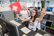 Die Schweizer Nati vom Büro aus unterstützen (Symbolbild): Das ist nicht überall erwünscht. (Bild: Boris Bürgisser, 14. Juni 2018)