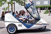 Den Hünenberger Schülern wurden unterschiedliche Elektromobile präsentiert. (Bild: Werner Schelbert (15.Juni 2018))