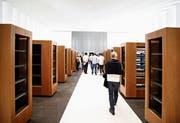 Alles ist bereit für den Einzug. Im Bild die neue Bibliothek der Kantonsschule. (Bild: Stefan Kaiser (Menzingen, 14. Juni 2018))