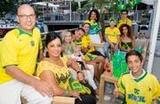 Die Brasilien-Fans haben sich schon mal bei einem Treffen im «Schlüssel» in Ennetbürgen für die WM aufgewärmt. (Bild: André A. Niederberger, 9. Juni 2018))