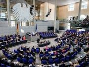 Der deutsche Bundestag hat mehrheitlich für eine Aufstockung der staatlichen Parteienfinanzierung gestimmt. (Bild: KEYSTONE/EPA/CLEMENS BILAN)