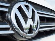 Der Absatz von Autos des Volkswagenkonzerns hat im Mai weniger geglänzt als auch schon. (Bild: KEYSTONE/EPA/MICHAEL REYNOLDS)