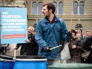 Die Sympathisanten der Trinkwasserinitiative wollen künftig Subventionen für den Pestizid- und den Antibiotikaeinsatz verhindern. Dem Bundesrat geht das zu weit. (Bild: KEYSTONE/ANTHONY ANEX)