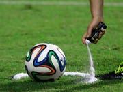 Ein Mexikaner pfeift Schweiz gegen Brasilien (Bild: KEYSTONE/AP/HASSAN AMMAR)