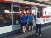 Eine Zentralbahn-Komposition im Bahnhof Luzern. (Bild: Matthias Piazza (Luzern, 3. Juni 2017))