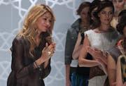 Gulnara Karimowa (links) war unter anderem auch als Modeschöpferin tätig. (Bild: EPA/Sergei Ilnitsky)