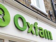 Für die Hilfsorganisation Oxfam Grossbritannien hat ein Sex-Skandal in ihren Reihen auch finanzielle Folgen: Oxfam hat nun weniger Geld, um Bedürftigen zu helfen. (Bild: KEYSTONE/AP PA/NICK ANSELL)